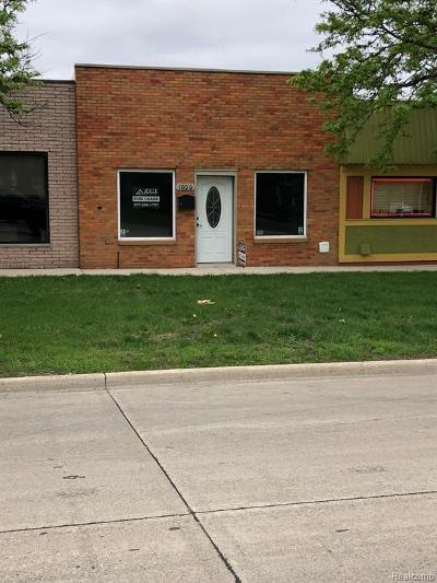 Clawson Commercial Lease For Lease: 1006 W 14 Mile Road