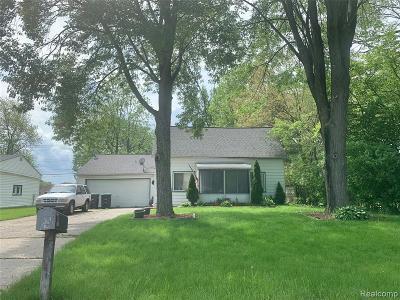 Wayne County Single Family Home For Sale: 10428 Baraga Street