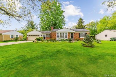 Rochester Hills Single Family Home For Sale: 331 Elmhill Road