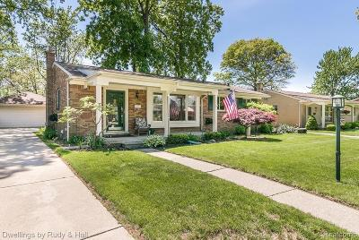 Trenton Single Family Home Contingent - Continue To Show: 2973 Elmwood Avenue