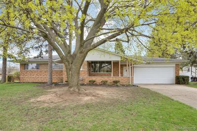 Rochester, Rochester Hills, Shelby Twp Single Family Home For Sale: 53342 Franklin Drive