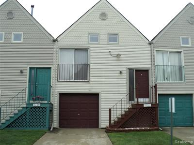 Sterling Heights Condo/Townhouse For Sale: 5631 Fox Hill Dr.