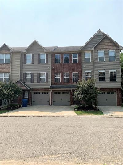 Condo/Townhouse For Sale: 1617 Red Hickory Court