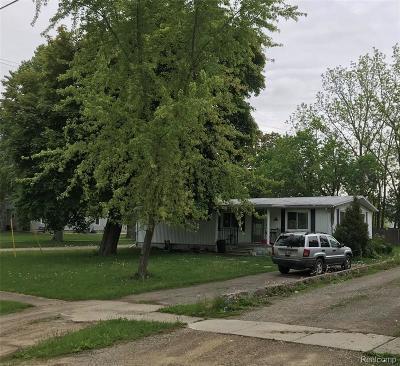 Single Family Home For Sale: 6848 Saginaw Street