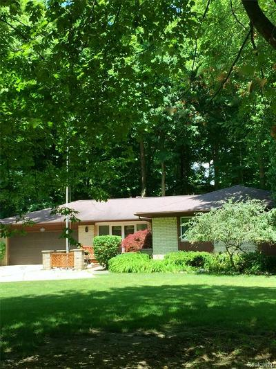 NORTHVILLE Single Family Home For Sale: 46250 Bloomcrest Drive
