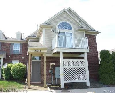 Warren Condo/Townhouse For Sale: 29752 Heritage Parkway