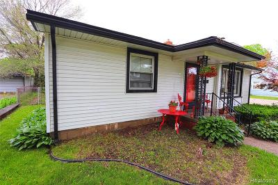 Plymouth Twp, Canton Twp, Livonia, Garden City, Westland Single Family Home For Sale: 30550 Pierce Street