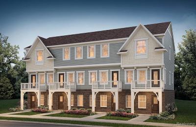 Auburn Hills Condo/Townhouse For Sale: 3321 N Squirrel Court Court N #5