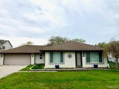 Harrison Twp Single Family Home For Sale: 37777 Elmlane