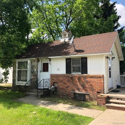 Plymouth MI Single Family Home For Sale: $150,000