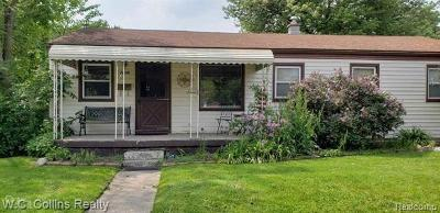 Clinton Twp, Harrison Twp, Roseville, St. Clair Shores Single Family Home For Sale: 29129 Galloway Street