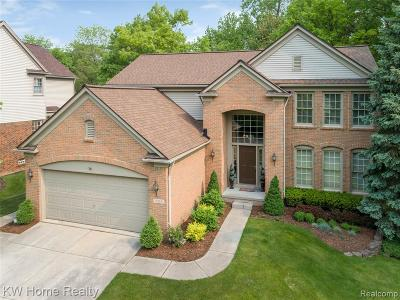 West Bloomfield Single Family Home For Sale: 5210 Winton Court