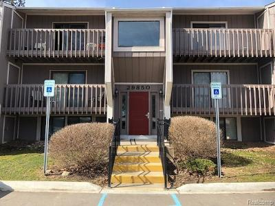 Farmington Hills Condo/Townhouse For Sale: 29850 W. 12 Mile Rd. #502