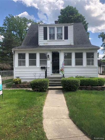 Royal Oak Single Family Home For Sale: 628 Forest Avenue