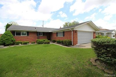 Dearborn Heights Single Family Home For Sale: 27092 Sheahan Drive