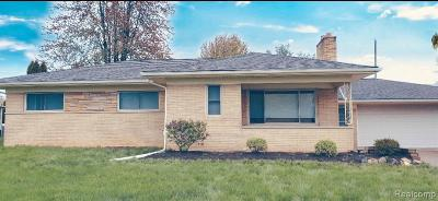 Rochester, Rochester Hills, Shelby Twp Single Family Home For Sale: 53420 Dequindre Road