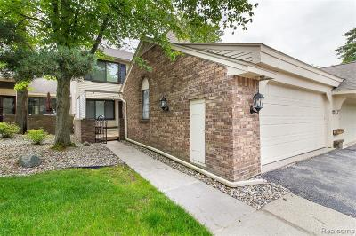 West Bloomfield Twp Condo/Townhouse For Sale: 7145 Creeks Crossing