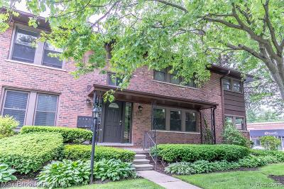 Royal Oak Condo/Townhouse For Sale: 1203 Catalpa Drive