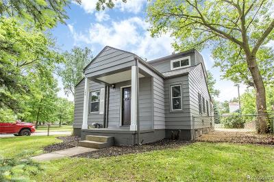 Royal Oak Single Family Home For Sale: 122 S Blair