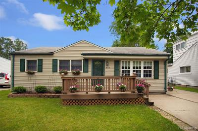 Troy Single Family Home For Sale: 862 Robinwood Drive