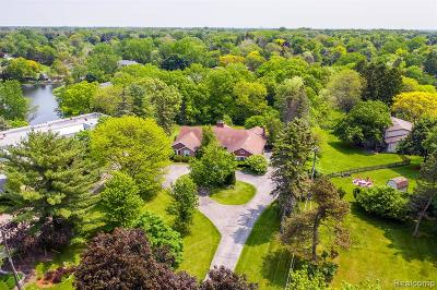 Bloomfield Twp Single Family Home For Sale: 6995 Meadowlake Road