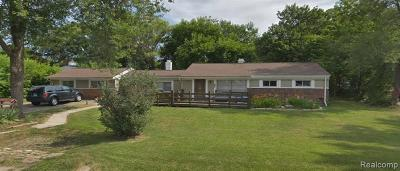 Waterford, Waterford Twp Single Family Home For Sale: 216 Fernbarry Drive