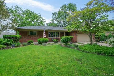 Livonia Single Family Home For Sale: 16441 Riverside Street