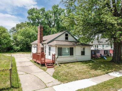 Eastpointe Single Family Home For Sale: 23077 Piper Avenue