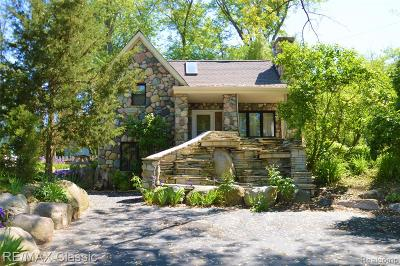 West Bloomfield Single Family Home For Sale: 7131 Colony Drive