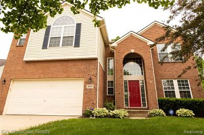 Commerce Twp Single Family Home For Sale: 4942 White Tail Court