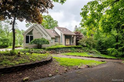 West Bloomfield Twp Single Family Home For Sale: 5407 Amanda Drive