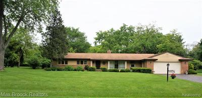 Bloomfield Twp Single Family Home For Sale: 3321 Devon Brook Drive