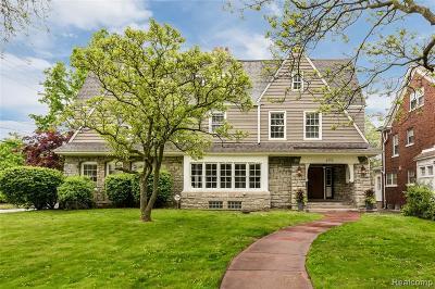 Detroit Single Family Home For Sale: 1550 W Boston Blvd