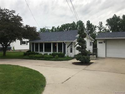 St Clair Shores, Roseville, Fraser, Harrison Twp Single Family Home For Sale: 24665 S River Road