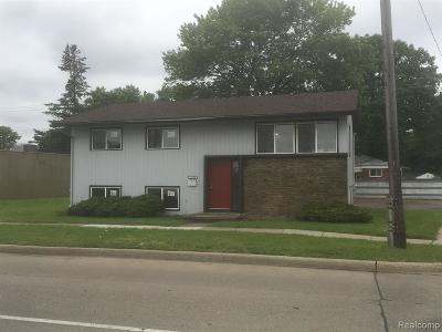 Hazel Park Multi Family Home For Sale: 23233 S Chrysler Drive