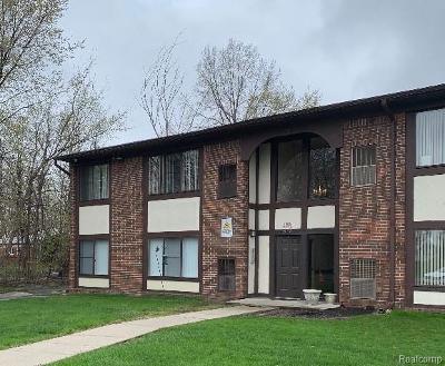 Warren Condo/Townhouse For Sale: 4985 E 10 Mile Road #1
