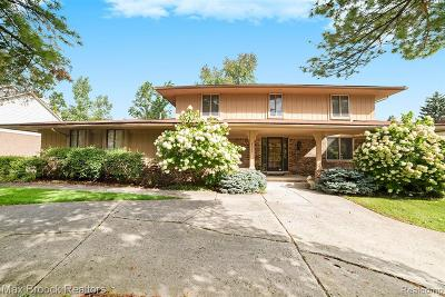 West Bloomfield Single Family Home For Sale: 6011 Cherry Crest Drive
