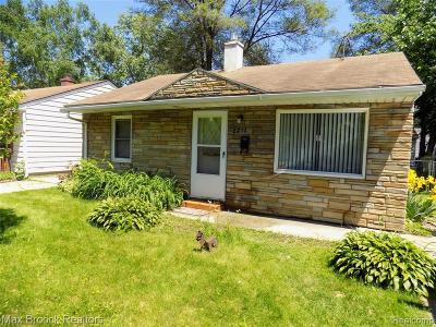 Ferndale Single Family Home For Sale: 2212 Bonner Street