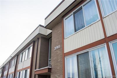 Trenton Condo/Townhouse For Sale: 3911 Fort Street #119