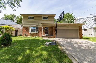 Warren Single Family Home For Sale: 29275 Walker Drive