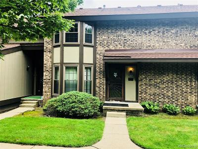 Southfield Condo/Townhouse For Sale: 24830 Glenbrooke Drive