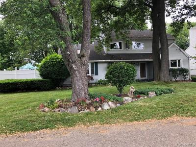 West Bloomfield Twp Single Family Home For Sale: 7970 Farrant Street
