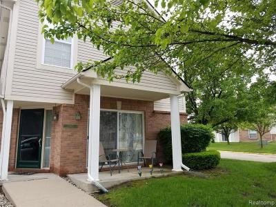 Macomb Twp Condo/Townhouse For Sale: 21079 Cooper Drive
