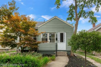Royal Oak, Ferndale, Berkley, Clawson, Pleasant Ridge Single Family Home For Sale: 693 Camden Street