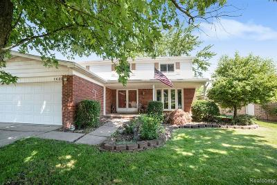 Troy Single Family Home For Sale: 1623 Woodgate Drive