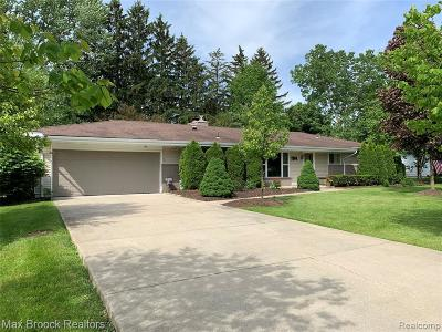 West Bloomfield Twp Single Family Home For Sale: 7264 S Tratham Court