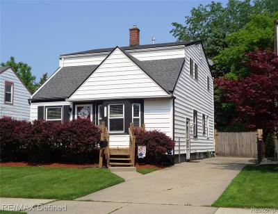 Royal Oak Single Family Home For Sale: 1015 Hoffman Avenue