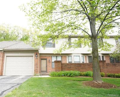 West Bloomfield Twp Condo/Townhouse For Sale: 7196 Green Farm Road