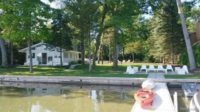 Waterford Twp Single Family Home For Sale: 7126 Hatchery Road