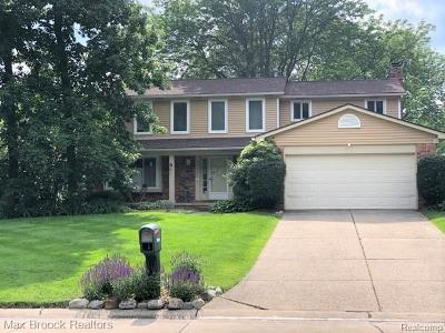 Farmington Hills Single Family Home For Sale: 35046 Valley Forge Drive